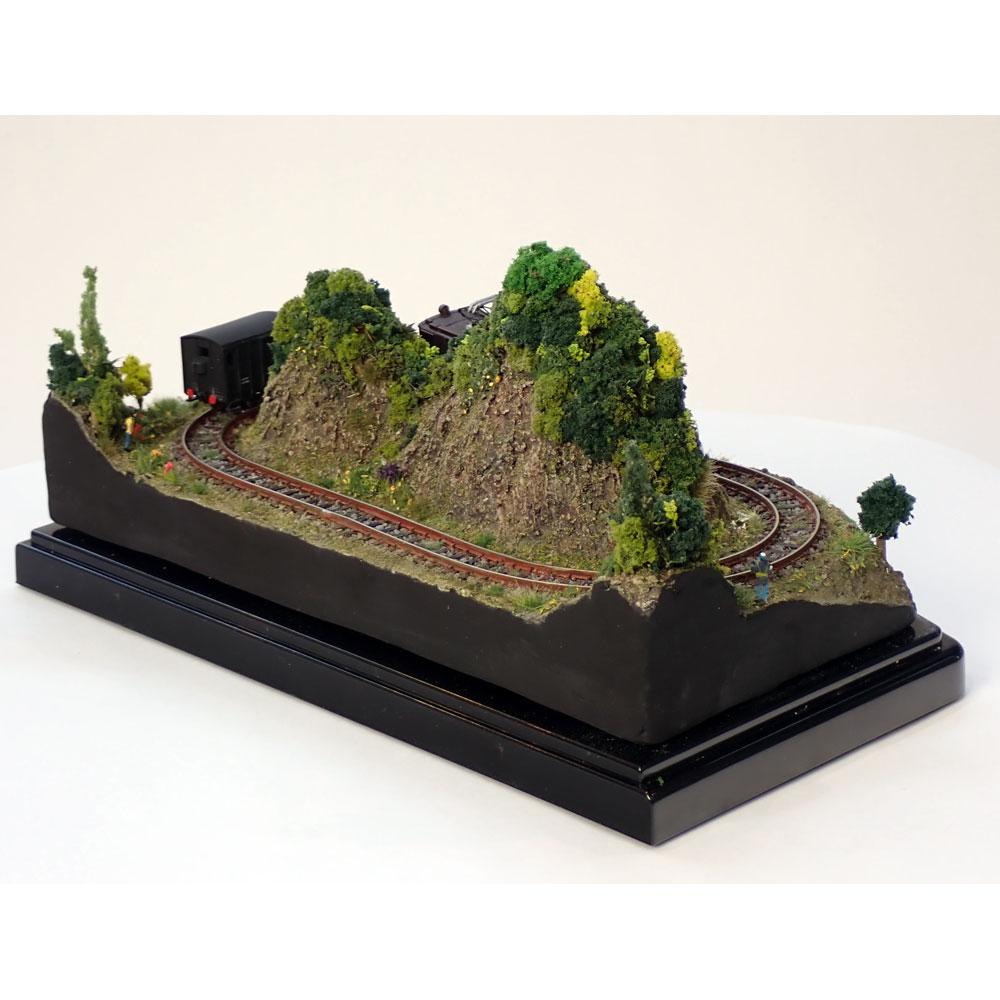 ダイソーケースレイアウト#11 「貨物列車が走るB」 :石川宜明 塗装済完成品 1/150 スケール