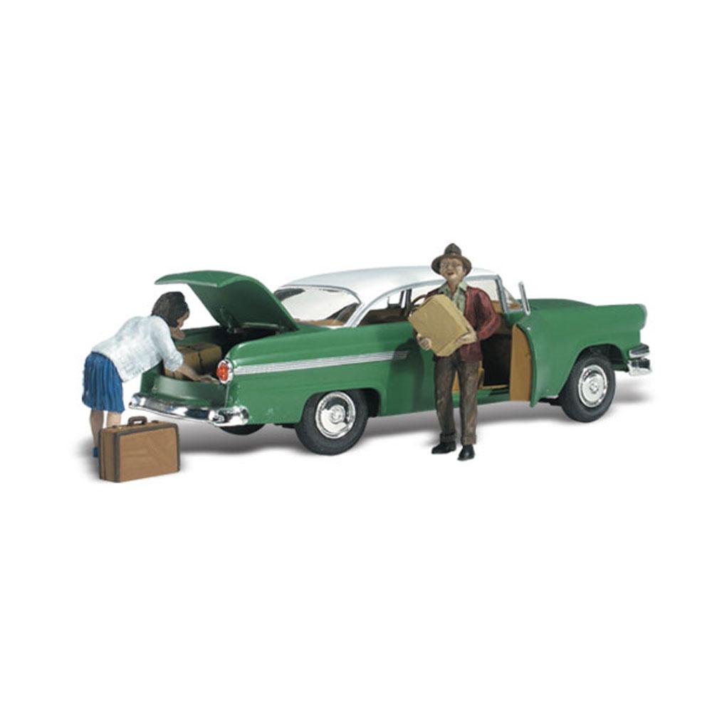 荷物を降ろす夫婦 :ウッドランド 塗装済完成品 N(1/160) AS5326