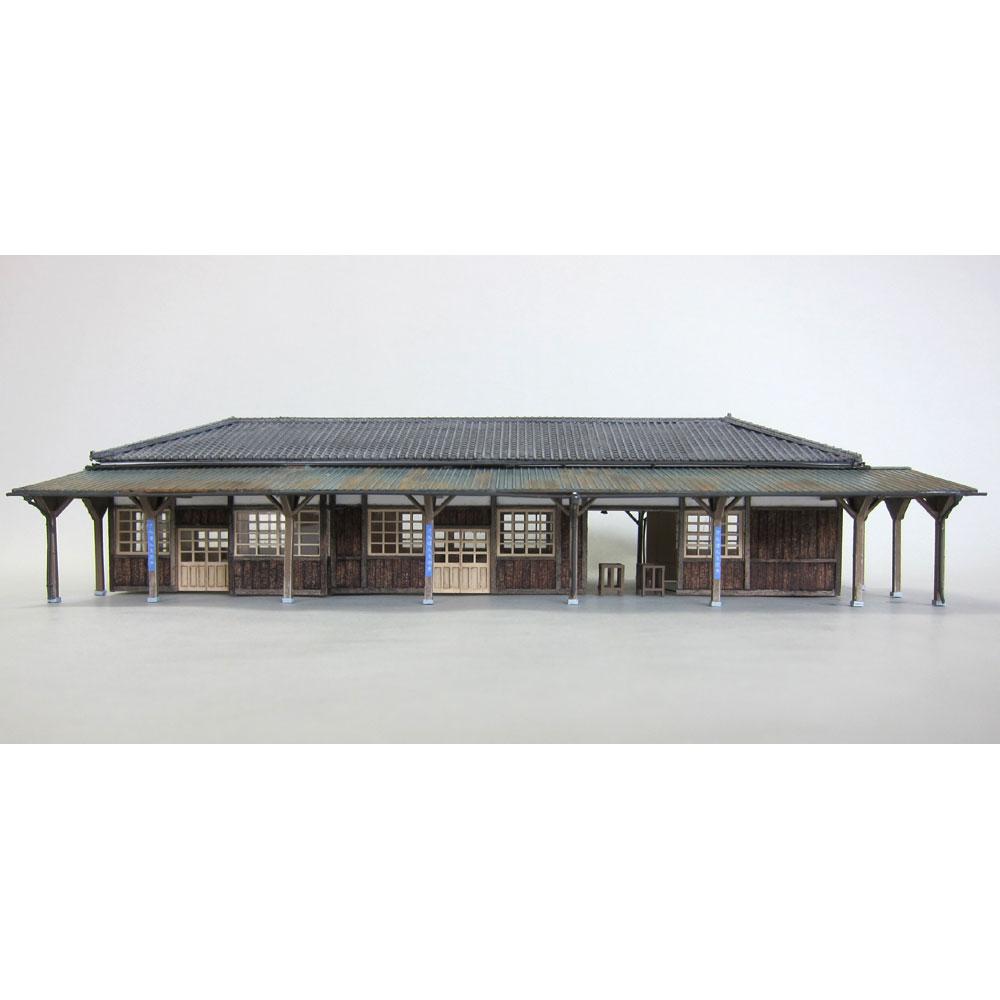 急行の止まる木造駅舎 :匠ジオラマ工芸舎 塗装済完成品 1/80