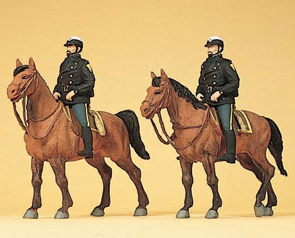 騎乗したアメリカの騎馬警官 :プライザー 塗装済完成品 HO(1/87) 10397