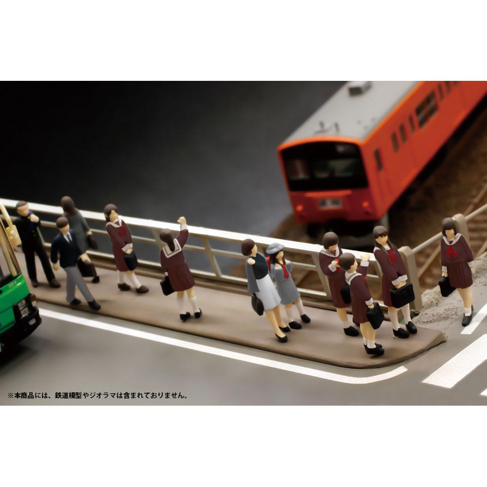 超ミニフィギュア12 あの日のバス停セット2 :PLUM 塗装済完成品 HO(1/80) MS051