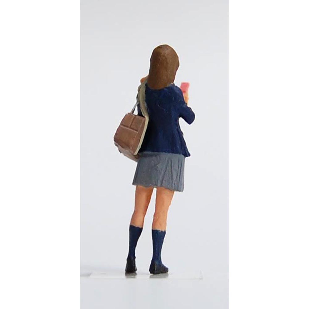 高校生 女子(現代版) :Kt工房 塗装済完成品 HO(1/80) A11H-80