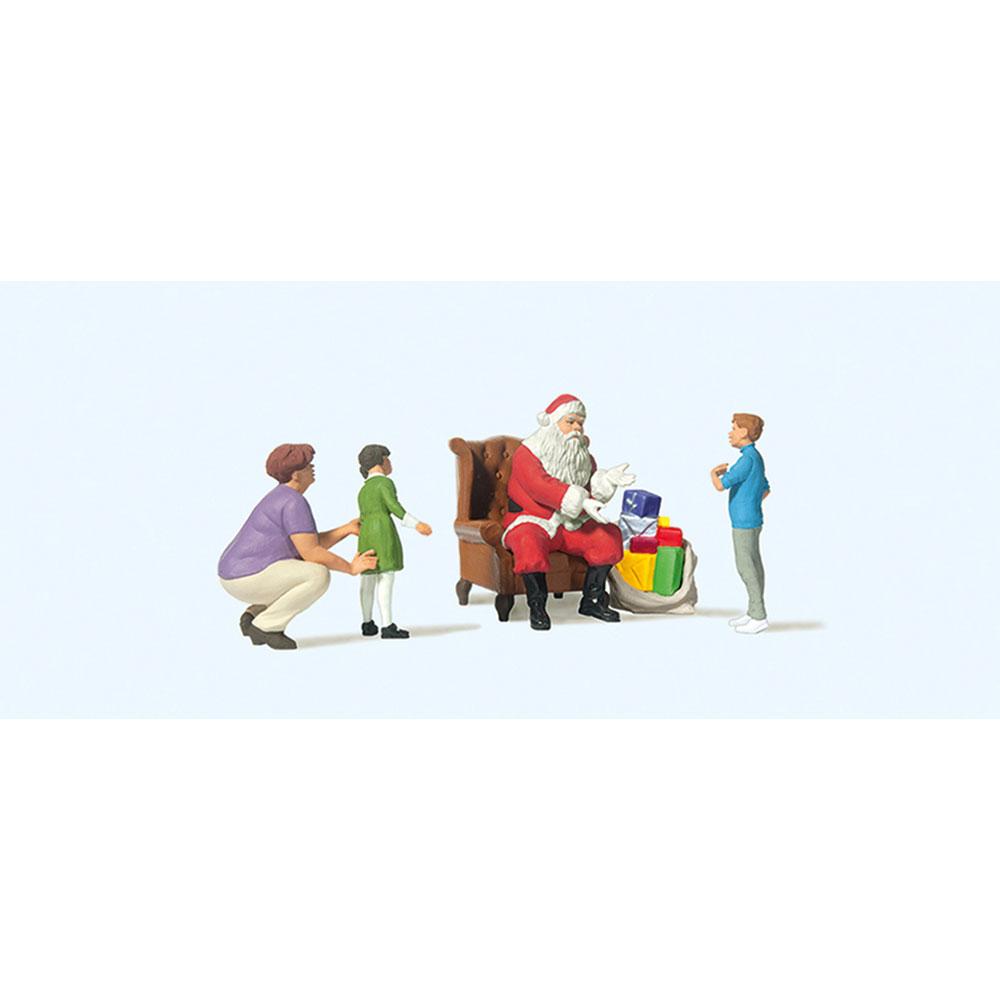 椅子に座るサンタクロースと親子 :プライザー 塗装済完成品 HO(1/87) 10763