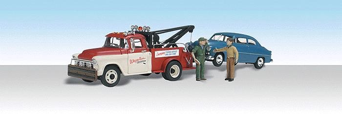 車を牽引するウェイン・レッカーサービス :ウッドランド 塗装済完成品 HO(1/87) AS5524