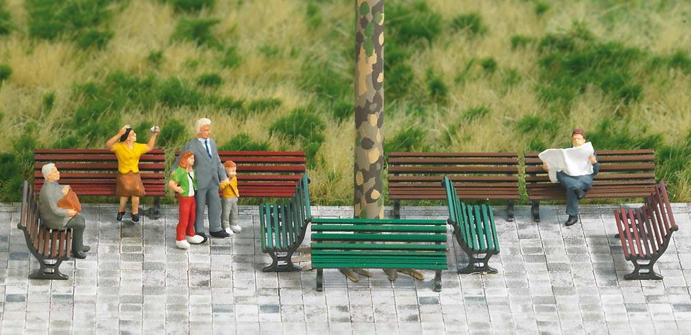 公園のベンチ 12脚 :ブッシュ 塗装済完成品 HO(1/87) 1149