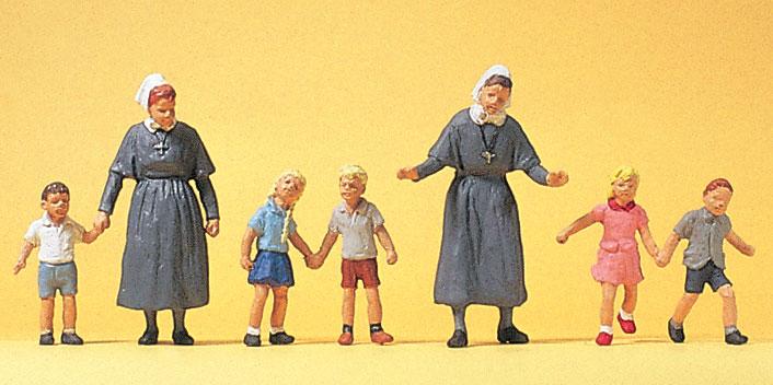 シスターと子供たち :プライザー 塗装済完成品 HO(1/87) 10533