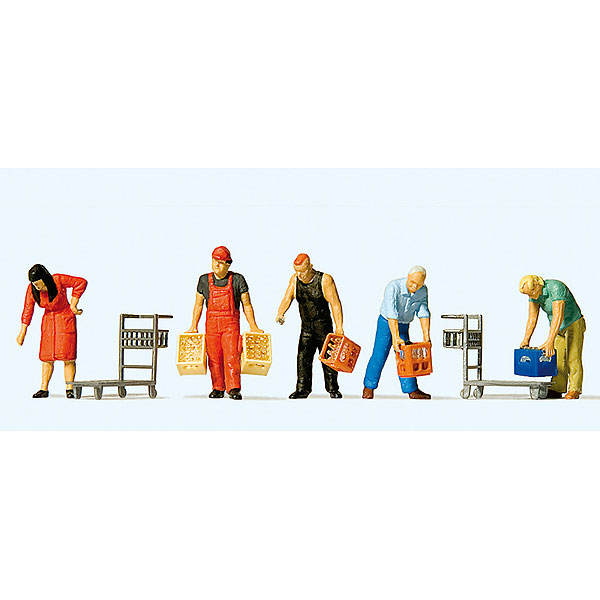 ボトルケース(ビールケース)を運ぶ人々 :プライザー 塗装済完成品 HO(1/87) 10656