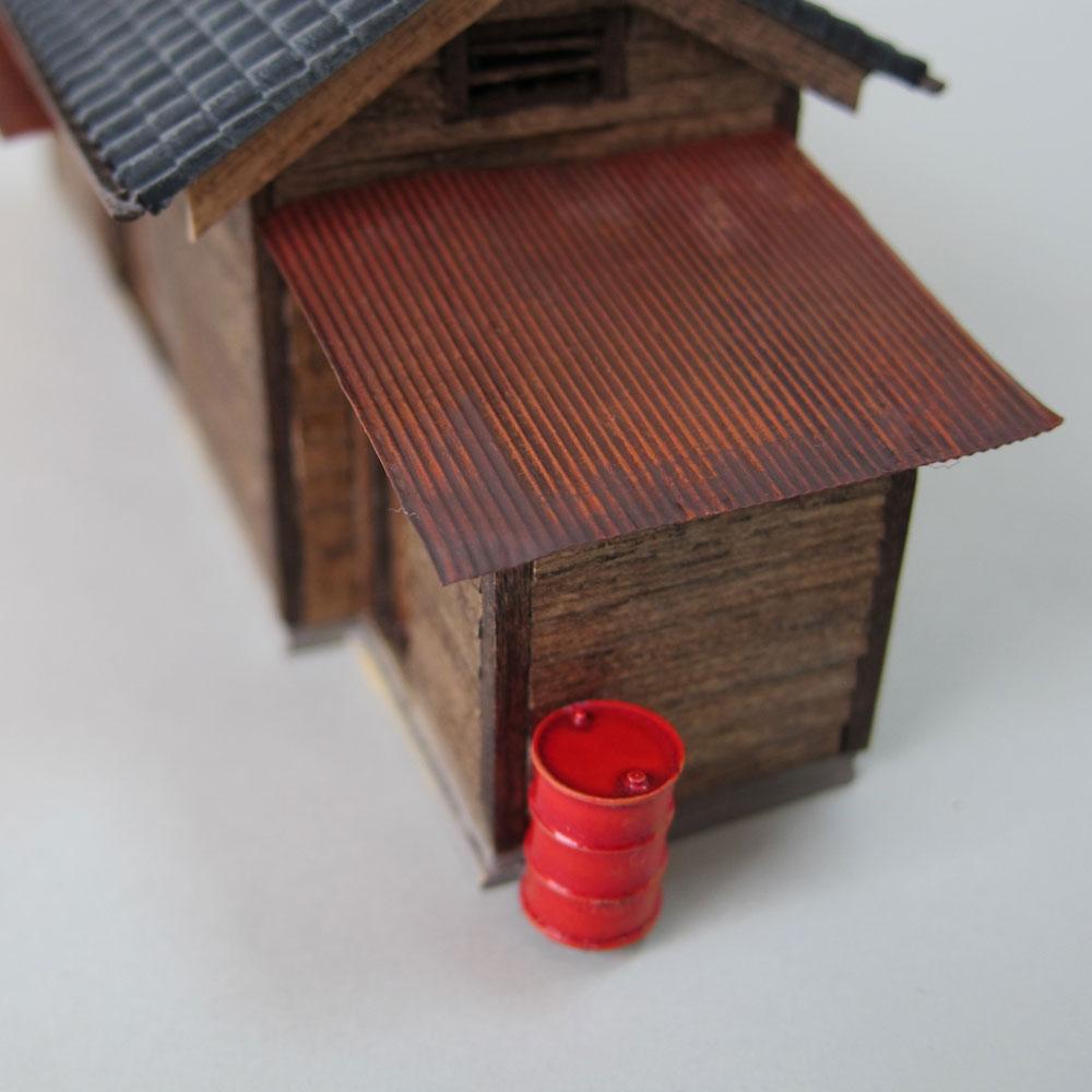 小さな倉庫(瓦屋根) :匠ジオラマ工芸舎 塗装済完成品 HO(1/80) 1005