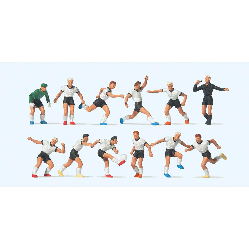 サッカーチームと審判(白シャツ、黒パンツ) :プライザー 塗装済完成品 HO(1/87) 10758