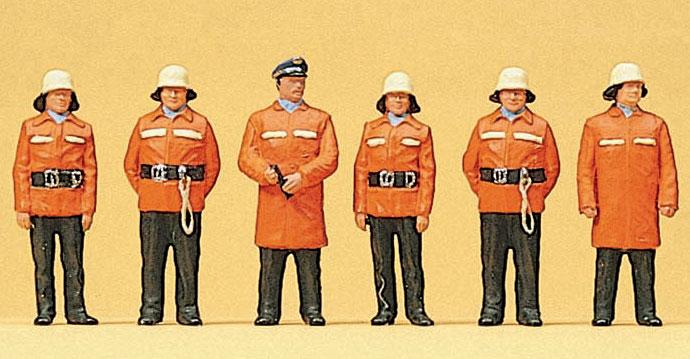 防火服の消防士 :プライザー 塗装済完成品 HO(1/87) 10214
