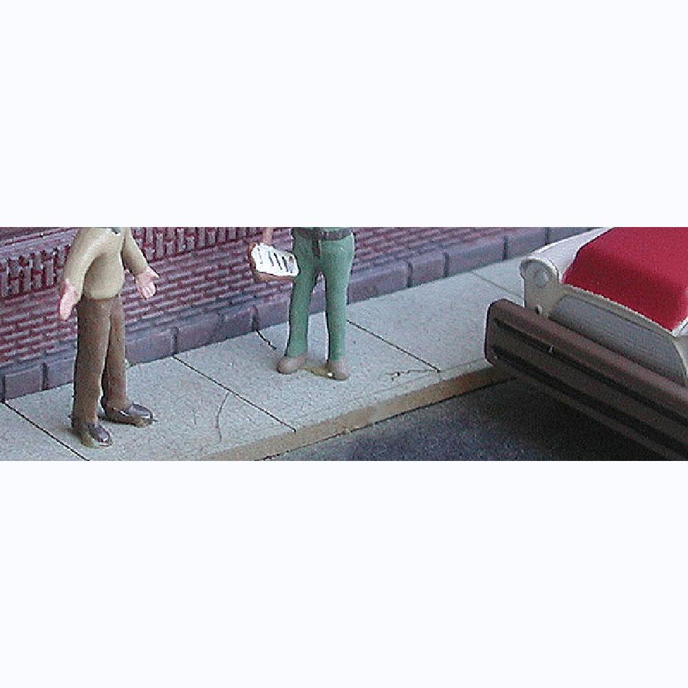 歩道 :バーミルズ 未塗装キット HO(1/87) 682