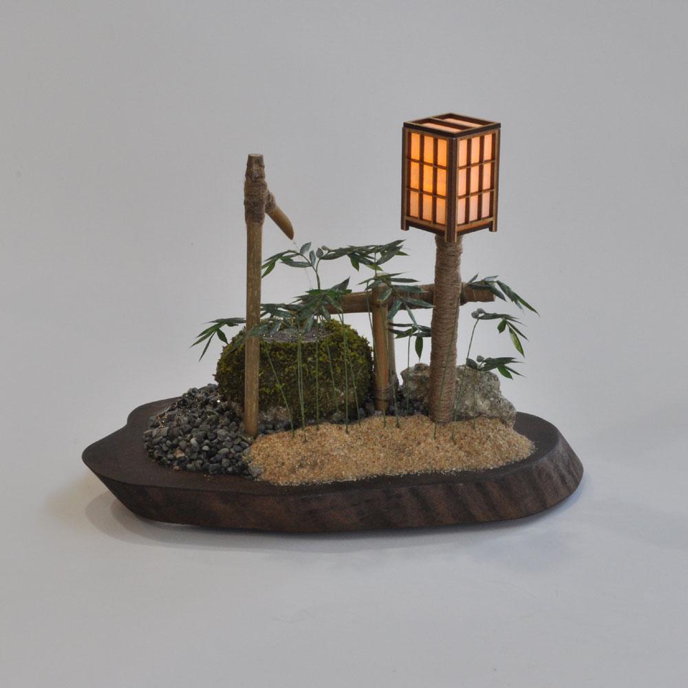 鹿威し(ししおどし) 「絆」行灯 :シック・スカート 塗装済完成品 1/12 スケール