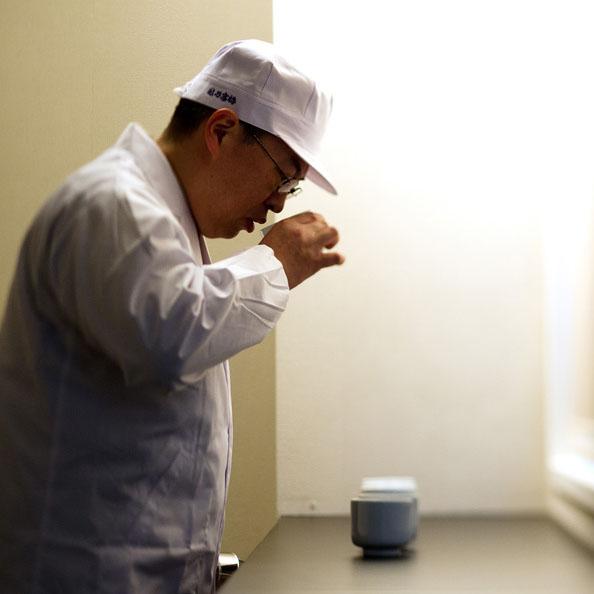 越乃寒梅 白ラベル 普通酒 [1.8L]