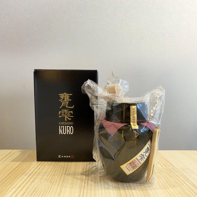 甕雫「KURO」芋焼酎 [1.8L]