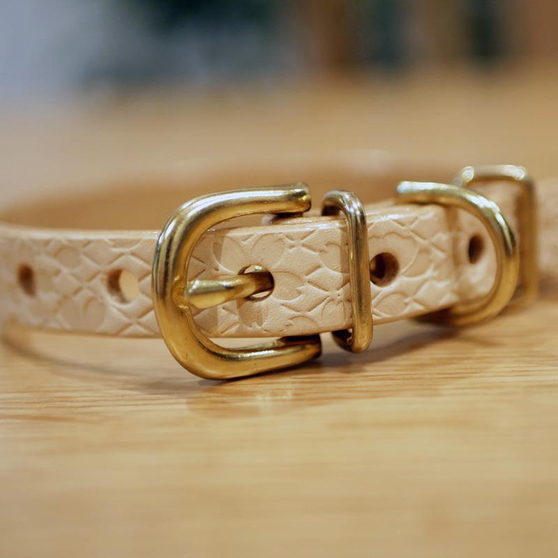 [#A8894]サクラ犬具製作所 本革 桜 菱文様 和柄型押し模様首輪  日本製