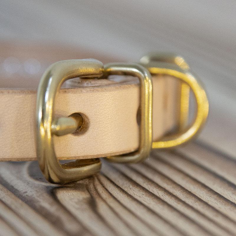 おなまえ首輪 名前電話番号 [筆記体] レーザー彫刻 本ヌメ革/本革 手仕上げ  真鍮金具 首輪(小型犬・中大型犬) A88896 (SS〜LLサイズ)