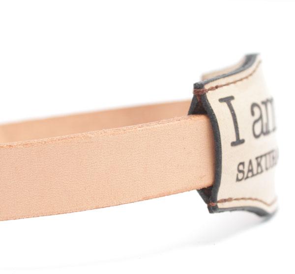 おなまえ首輪 名前電話番号レーザー彫刻 本ヌメ革/本革 手仕上げ  真鍮金具 I am Lost パッド首輪(小型犬・中型犬) A88889 (S〜Lサイズ 3-11kg)