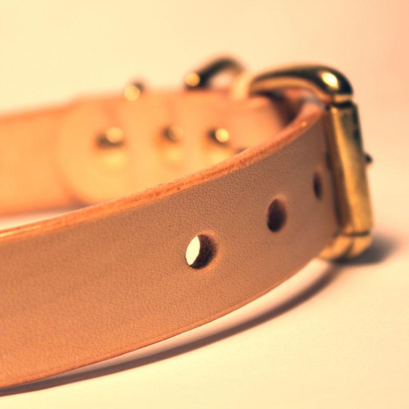 [中・大型犬用]おなまえ首輪 名前電話番号レーザー彫刻 本ヌメ革/本革 手仕上げ  真鍮金具 首輪(小型犬・中型犬) A88895 (L〜LLサイズ)