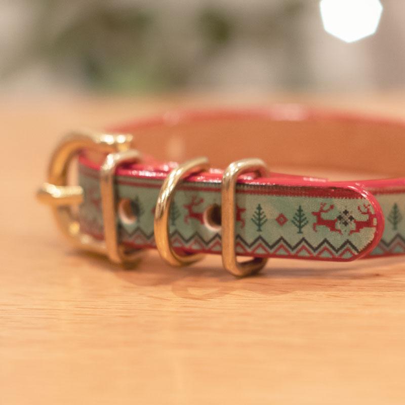 Framer エッジカラー(レッド) アートなグラフィック本革首輪 クリスマスセーター柄 真鍮無垢金具 サイズSS〜L ベルト幅16mm #23476