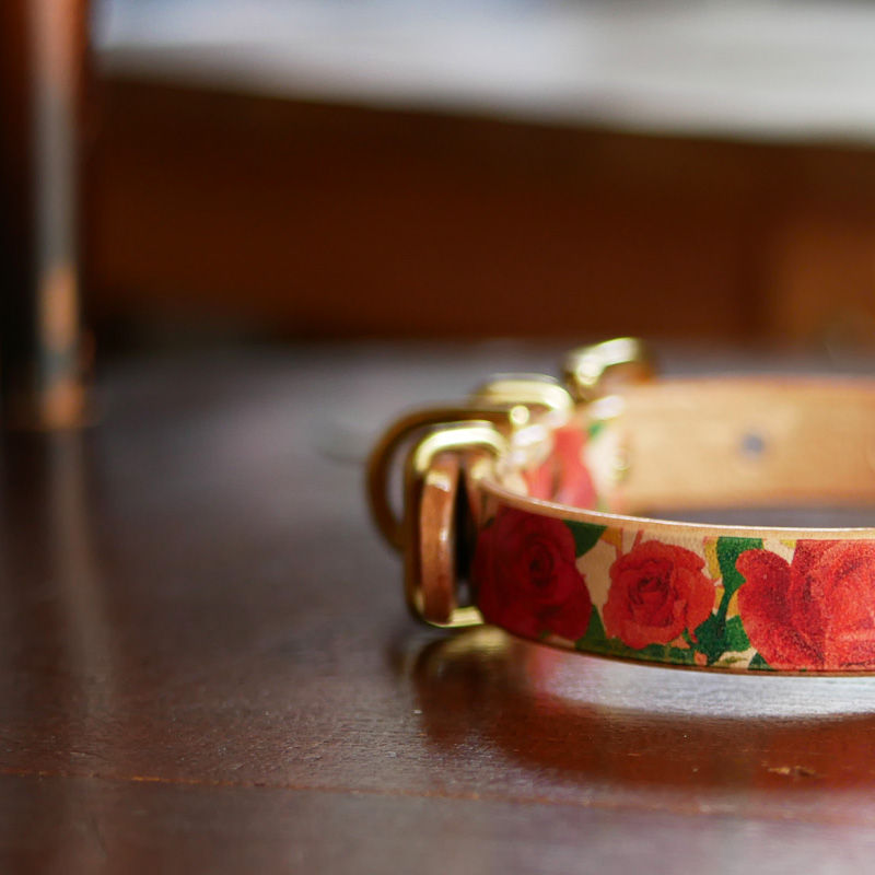 Framer アートなグラフィック本革首輪 花柄バラ フラワー 真鍮無垢金具 サイズSS〜L ベルト幅16mm #23453