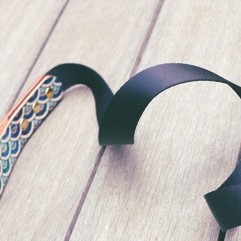 Framer アートなグラフィック本革首輪 グランジ青海波文様 和柄 真鍮無垢金具 サイズSS〜L ベルト幅16mm #23455