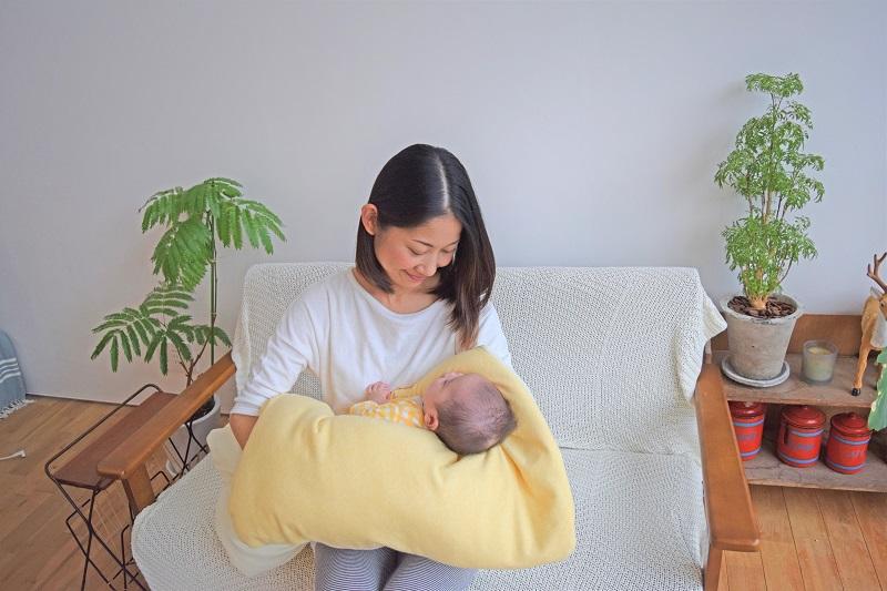 【セット】まんまる枕(アイボリー)とぐっすり座布団本体&専用カバー(イエロー)
