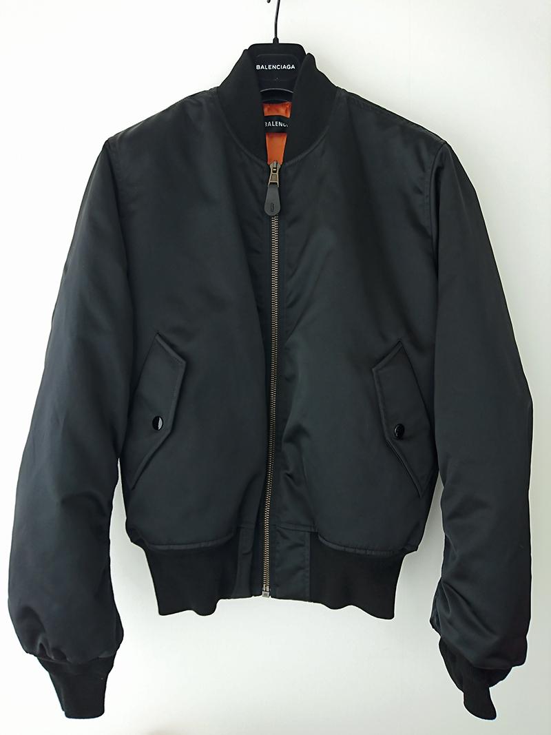 ボンバー ジャケット