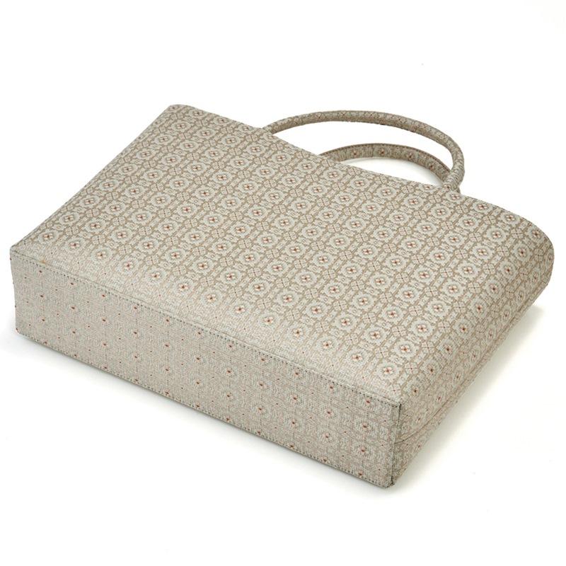 有職西陣織 少し大きめでたっぷり収納 お茶席でも使えるきっちりした仕立て 有職西陣織 正絹横型手提げNo,5352