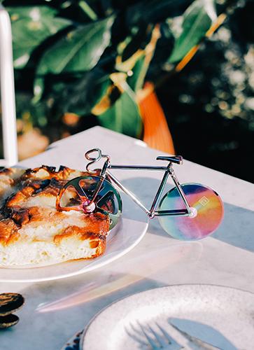 Fixie Pizza Cutter  *Iridescent