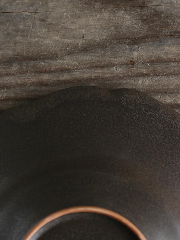 Awabi ware輪花中深皿マットブラック