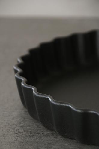 REVOLパイディッシュブラック30cm