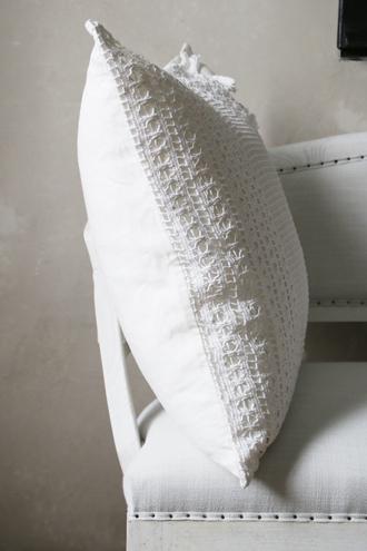 アンティークレース編みクッション(中綿付き)62x61cm