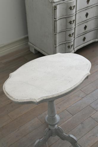 Gustavian Antiqueスモールテーブルロココスタイル1800年代