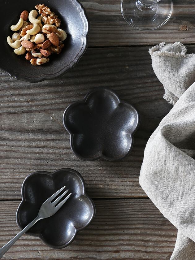 Awabi ware花型豆皿マットブラック