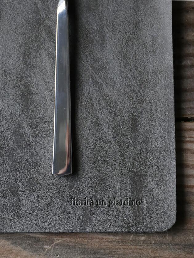 Fiorira un GiardinoフェイクレザープレースマットAnthracite