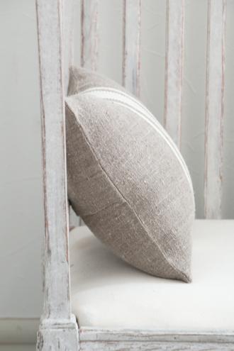 Anne Beckerリネンクッションストライプホワイト40x30cm(中綿付き)