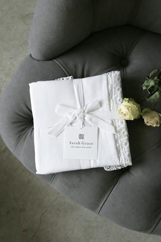 Sarah GraceピローケースFlorenceホワイト リネン43x63cm