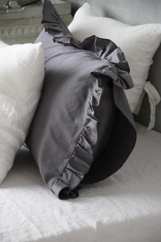 Sarah GraceピローケースLenaダークグレー コットン43x63cm
