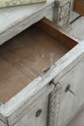 Gustavian Antiqueサイドボード