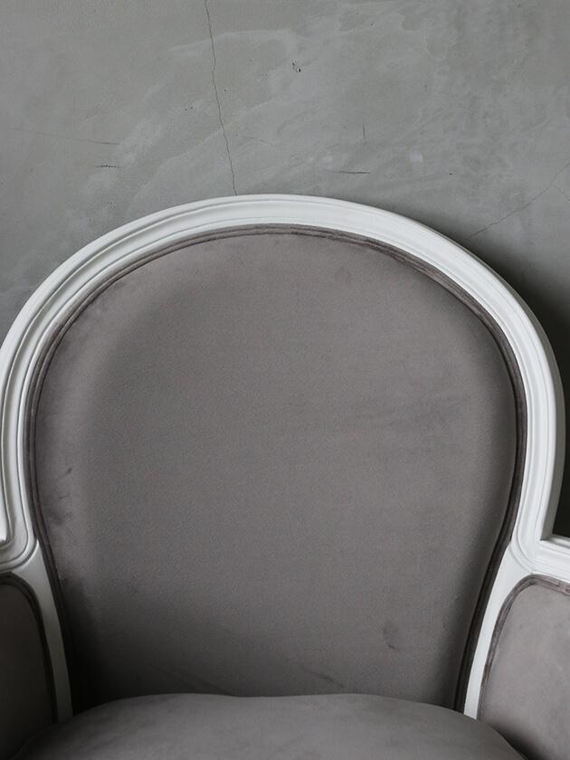 SGDアームチェアMonaホワイトライトグレーベルベット