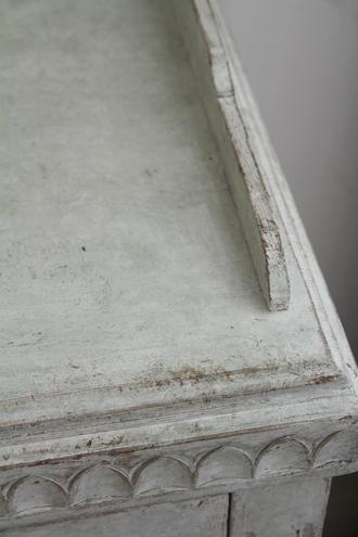 Gustavian Antiqueスモールキャビネット