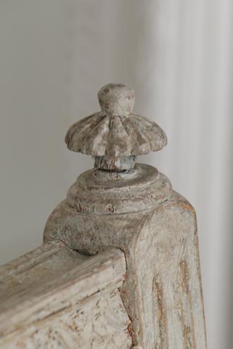 Gustavian Antique アームベンチ
