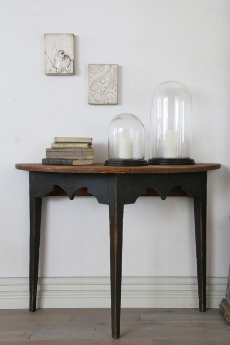《40%OFF》Gustavian Antique 半円テーブルブラックレッグ