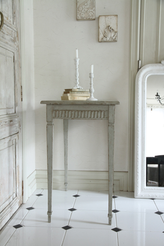 Gustavian Antique シンプルテーブル