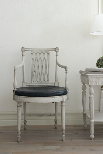 Gustavian Antique アームチェア