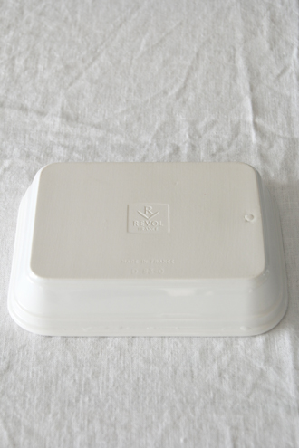 REVOLレクタングラーディッシュホワイト21.5cm