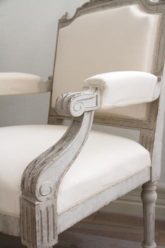 Gustavian Antiqueアームチェアアンティークホワイト