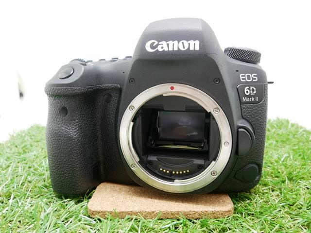 中古品 CanonEOS6D markⅡ24-70mm F4レンズキット