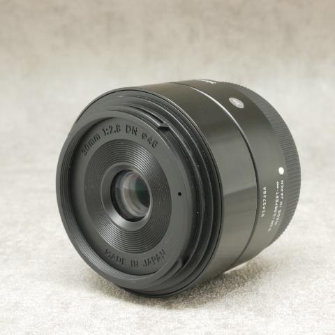 中古品 SIGMA 30mm F2.8 DN ソニーE