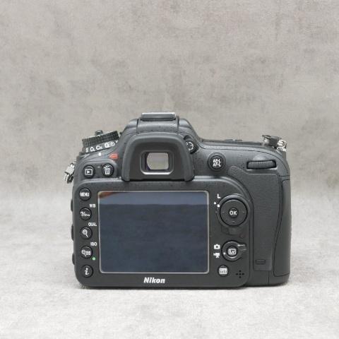 中古品 Nikon D7100